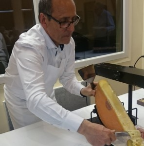 Trois Vallees - Raclette met de chef van hotel Savoy hor