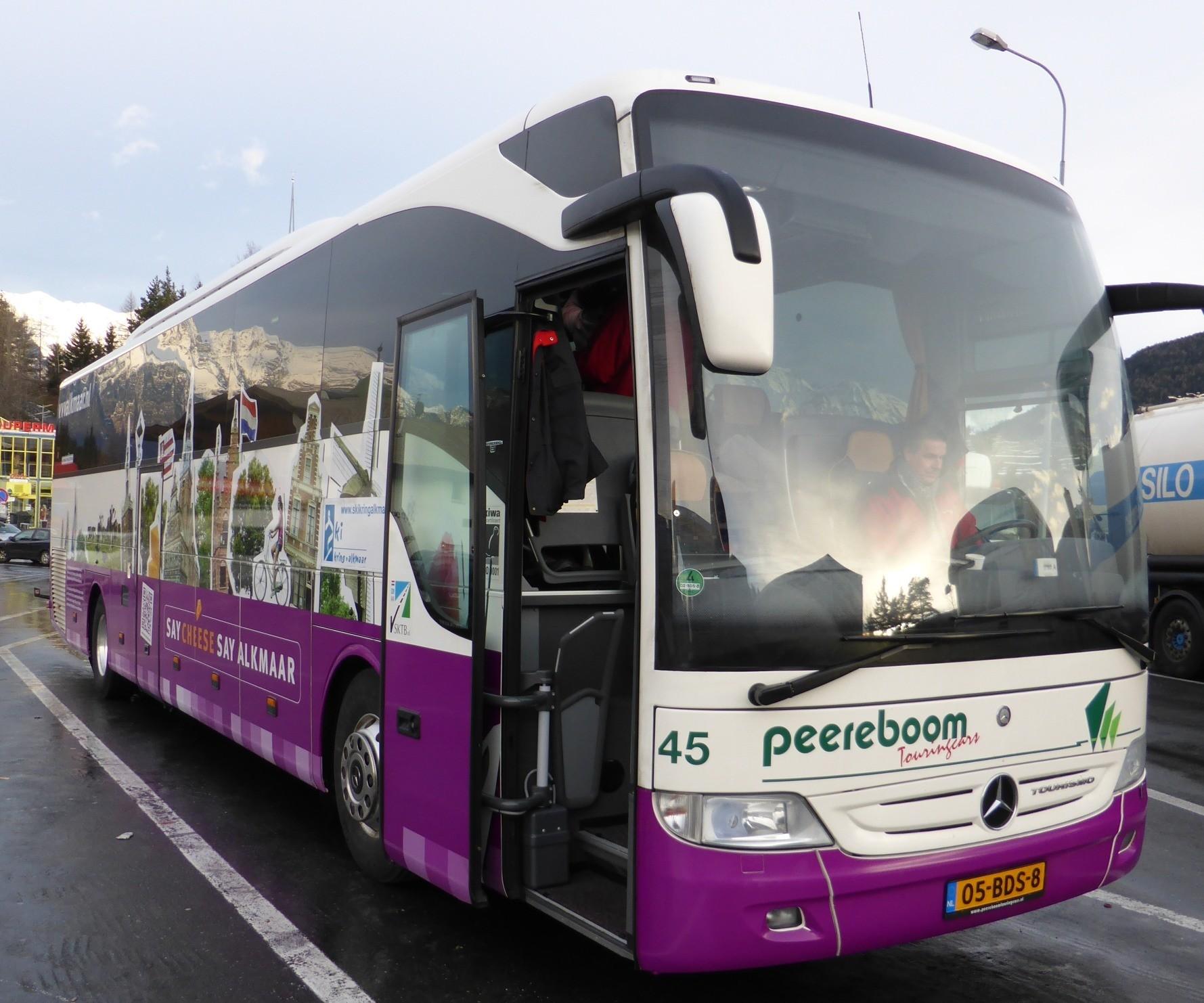 De speciale 'Alkmaar promotie bus'